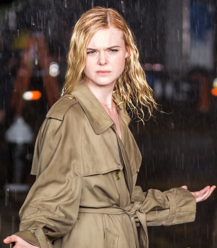 elle-fanning-braves-the-rain-while-filming-woody-allen-movie-04.jpg